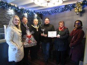Palmers Solicitors backs 'best dressed' on the high street ahead of the final weekend of Christmas shopping